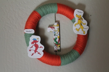 Fun & easy wreath for your Go Dog Go party!